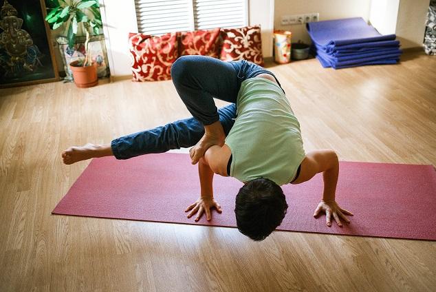 yoga-1146281_1920.jpg